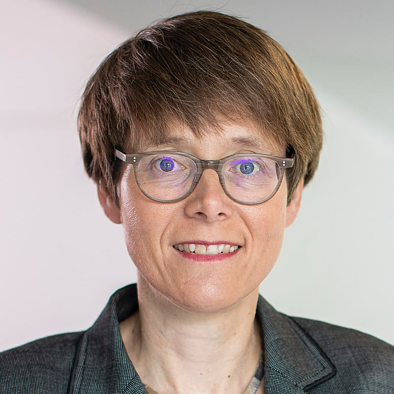 Dr. Beate Gilles